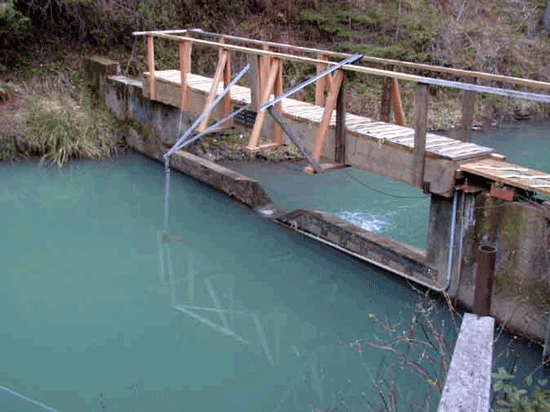 compound weirs for wide ranging flows