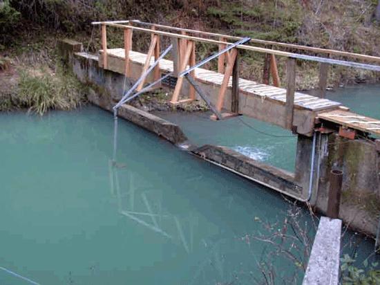 weir pool upstream of compound weir
