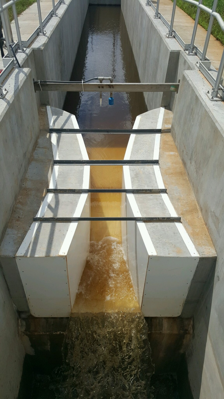 Nested Parshall Flume Installation