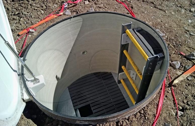 Packaged Fiberglass Frp Weir Manholes For Flow Monitoring